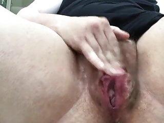 Bushy masturbate