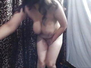Enormous titties Aunty reside cam