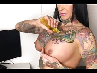Escort with Tattoos acquires fucked