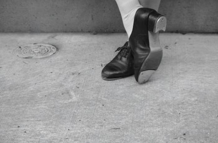 タップダンスの写真素材 写真素材なら「写真AC」無料(フリー)ダウンロードOK