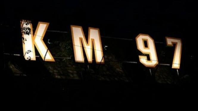 Image result for tol cipularang malam hari