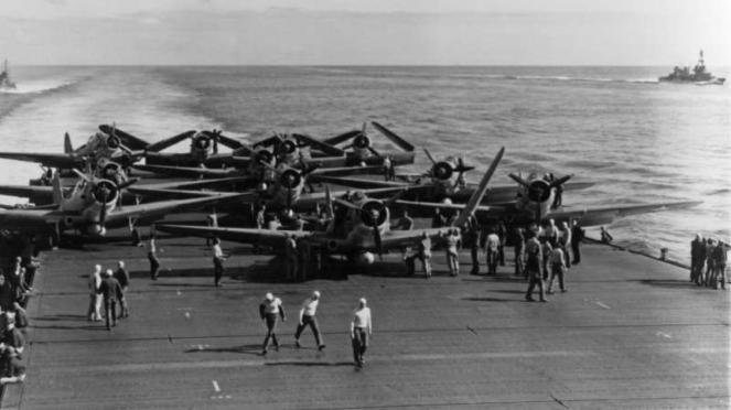 VIVA Militer: Pesawat tempur AS di Kapal Induk USS Enterprise