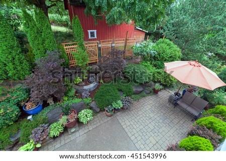 backyard garden landscaping paver