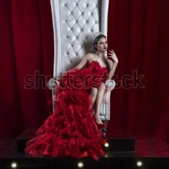 Black Skull Chair Yoga Sequence Girl On Throne Stock Images, Royalty-free Images & Vectors | Shutterstock