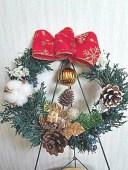プリザーブドフラワー クリスマスカラーの赤いリボンのクリスマスリース