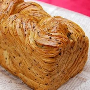デニッシュ食パン MIYABI さつま芋・黒胡麻(Sサイズ)