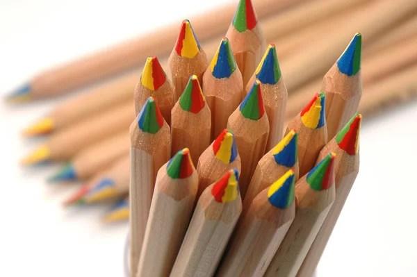 【LYRA/リラ】4色いろえんぴつ 3930500 【色えんぴつ】【文房具/文具/デザイン/おしゃれ/ステーショナリー】【デザイン/おしゃれ/海外/輸入】【デザイン文具ならイーオフィス】