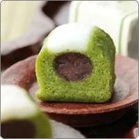 宇治抹茶かるかん 6個入§伊藤久右衛門(敬老の日) 京都 宇治のお茶屋作挽きたて抹茶をたっぷり使った濃厚抹茶味です。