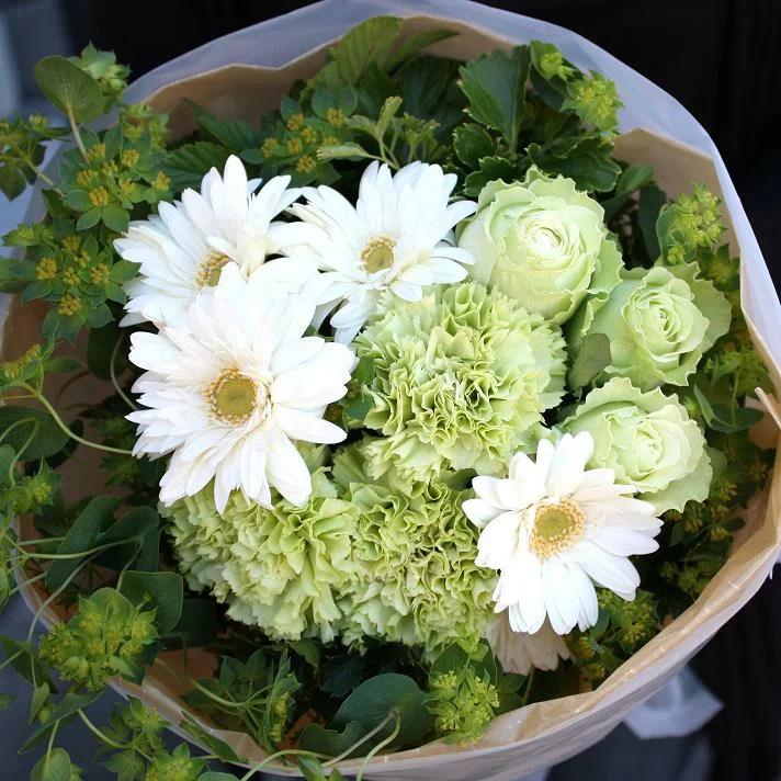 グリーンバラとガーベラのブーケ 花束 ギフト 生花 プレゼント 結婚祝い 結婚記念日 女性 母 退職