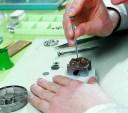 ビクトリーノックス 腕時計修理 GMT (2ヶ国表示機能付き) 電池式 】【腕時計 オーバーホール(分解掃除)】修理代金は無金利分割..