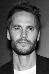 profile image of Taylor Kitsch