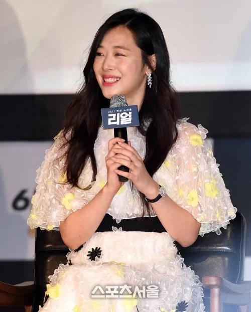 [SS포토]싱그런 미소의 설리, '귀엽죠~'