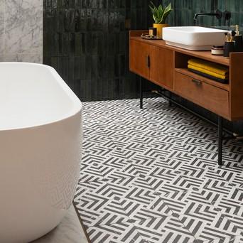 ideas for tiling a small bathroom