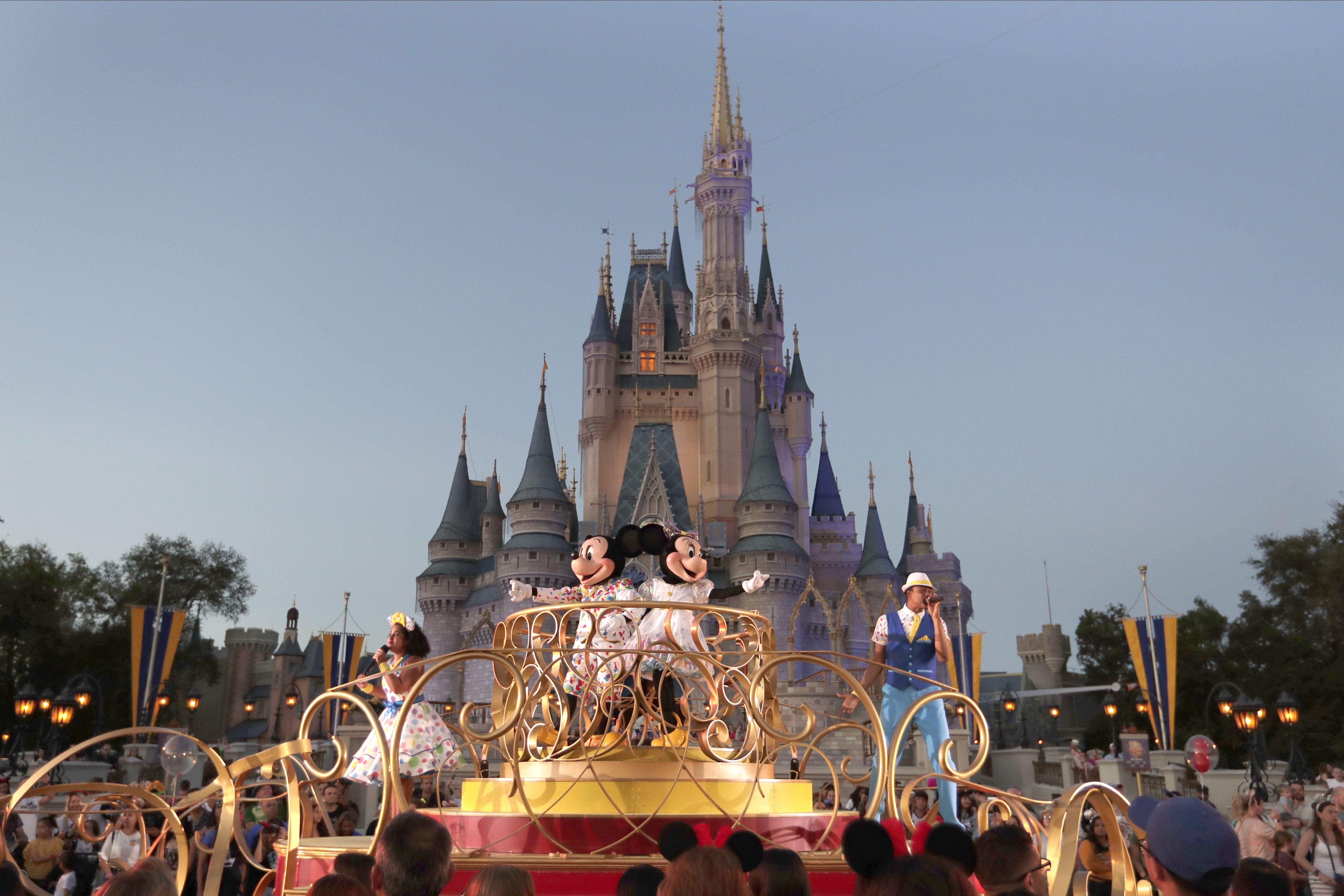 Coronavirus closures: Walt Disney World, Universal Orlando Resort ...