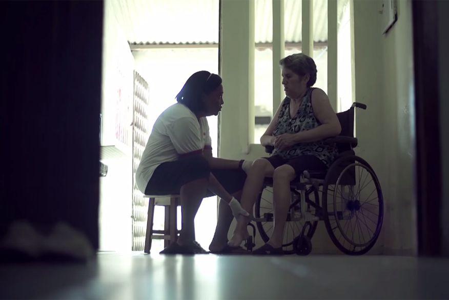 cuidadores familiares garantem assistencia para pacientes com necessidades especiais - Lei que cria cadastro de cuidadores é promulgada na Paraíba