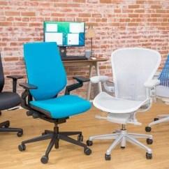 Best Ergonomic Desk Chairs 2018 Vine Wirecutter S Favorite Office Chair