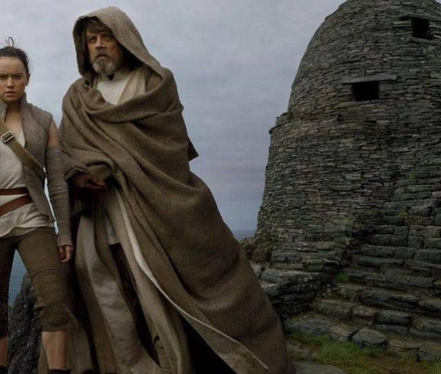 Box Office Star Wars The Last Jedi Falls 65 Jumanji To Win Weekend