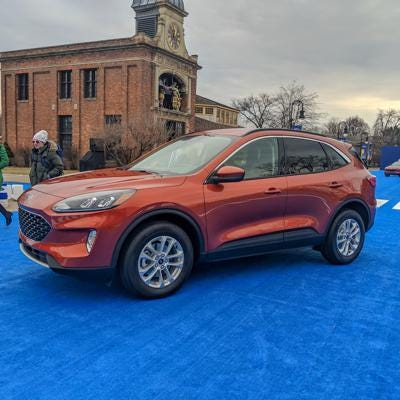 small resolution of gallery 2020 ford escape reveal