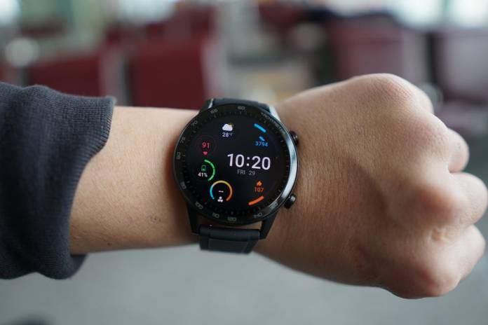 Honor Magicwatch 2 Review Two Week Battery Life But Software Missing Crucial Feature