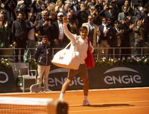 Roger Federer says he will return to Geneva and then play the French Open