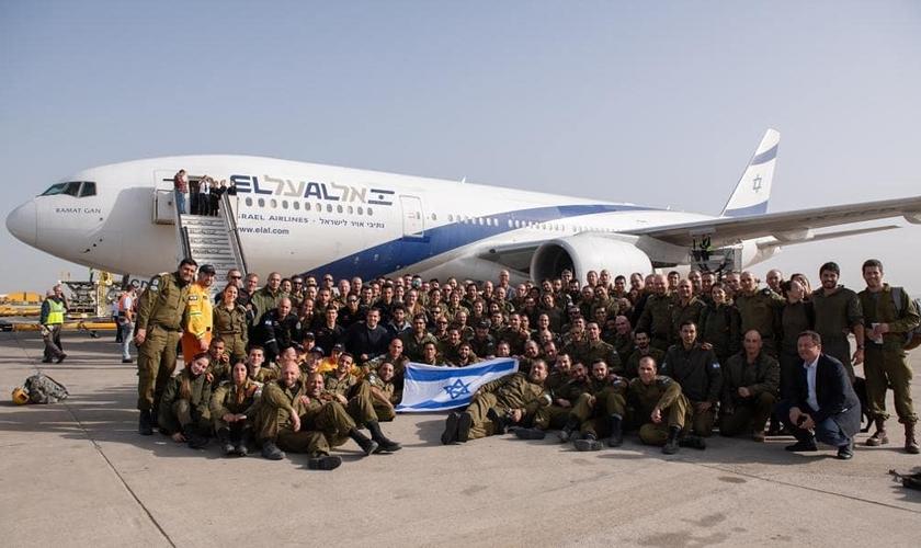 Comitiva do IDF está no Brasil com 136 integrantes para cooperar com o resgate a vítimas em Brumadinho. (Foto: Twitter/IDF).
