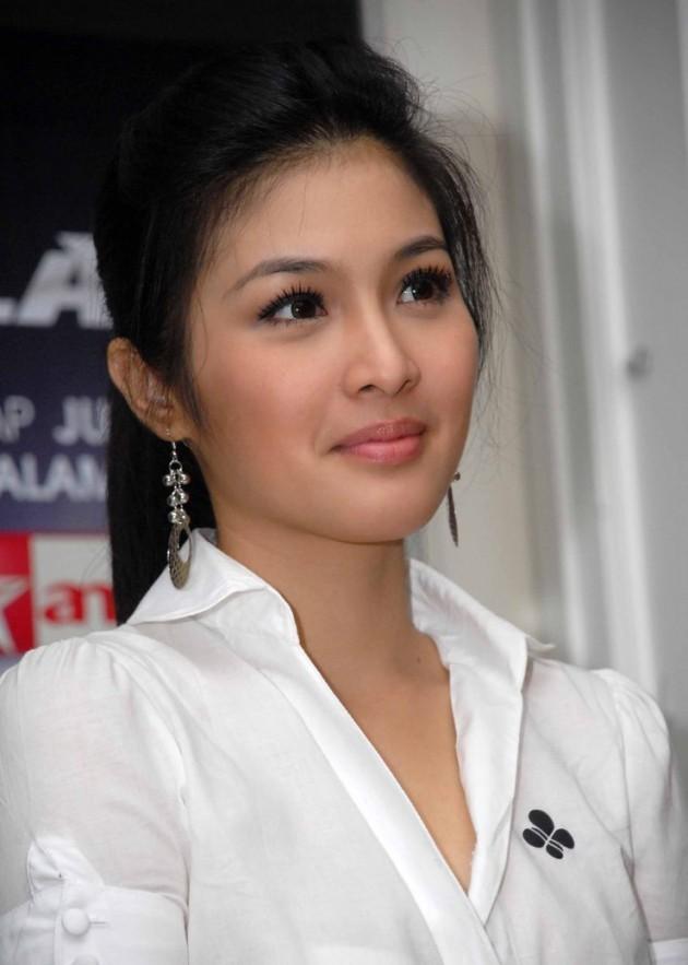 Sandra Dewi Film