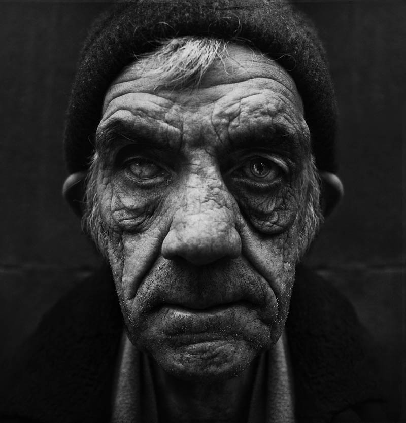 homeless black and white portraits lee jeffries 27 25 Incredibly Detailed Black And White Portraits of the Homeless by Lee Jeffries