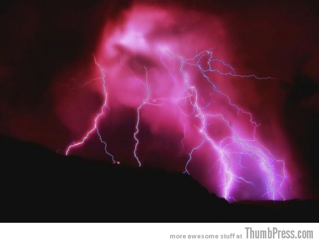Lightning Thumbpress 14 630x481 Horrifying Lightning Storm Over Albuquerque, New Mexico