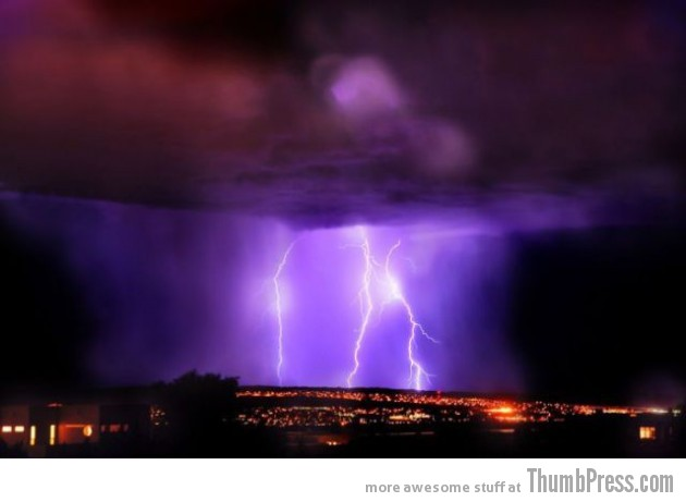Lightning Thumbpress 36 630x461 Horrifying Lightning Storm Over Albuquerque, New Mexico