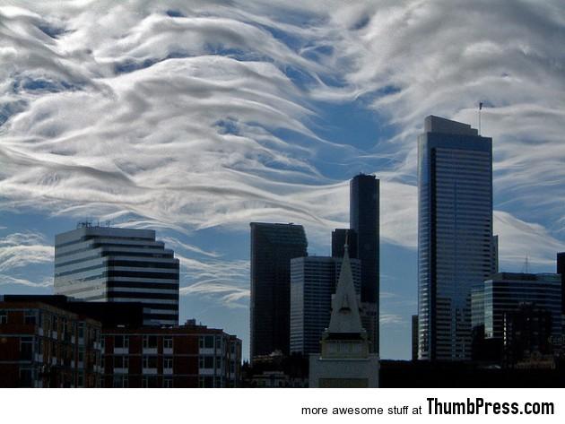 Amazing Nimbus: 25 Breathtaking Photographs of Beautiful Cloud Formation
