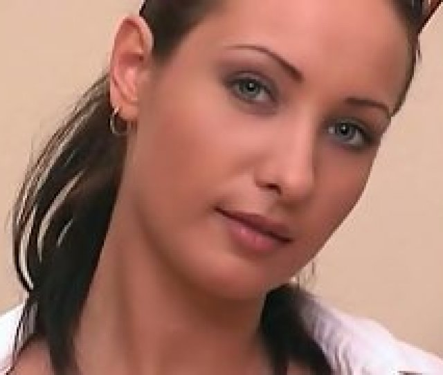 Babe Beauty Brunette Close Up