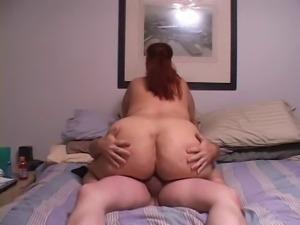 curvy latina milf