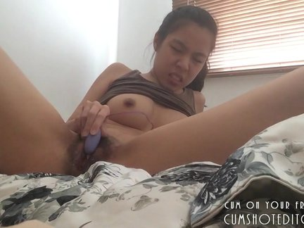Young Asian Camgirl Pleasing Herself At Home_5