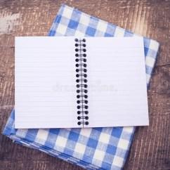 Kitchen Inventory Sink Faucets 打开在木背景的空的笔记本 库存照片. 图片 包括有 减速火箭, 土气, 照片, 食谱, 概念, 蓝色, 准备 ...