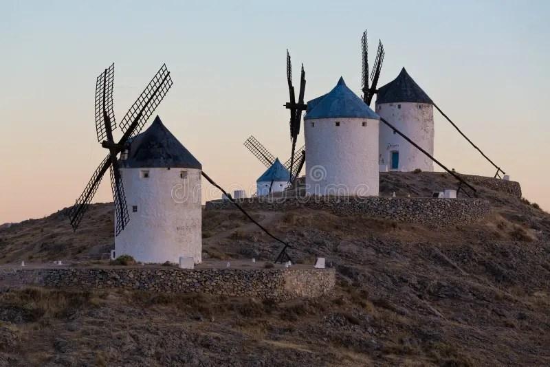 風車在孔蘇埃格拉,拉曼查,西班牙 庫存圖片. 圖片 包括有 石頭, 旅游業, 股票, 歐洲, 黃昏, 博物館 - 61530983