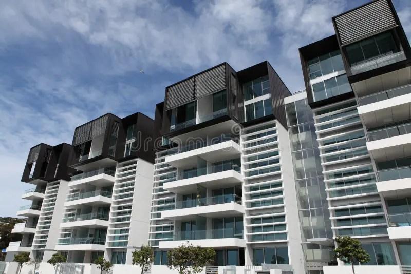 Apartamentos Modernos Fotos de Stock  Imagem 13697923
