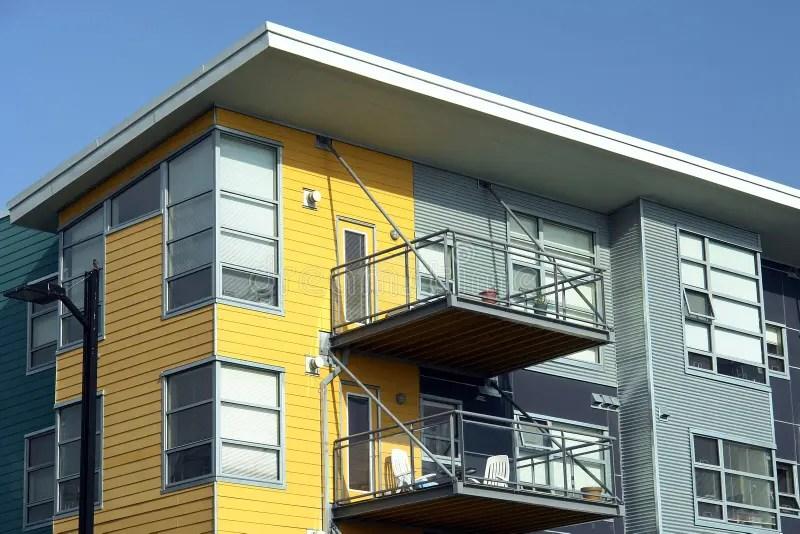 Apartamentos modernos imagem de stock Imagem de viver  2421711
