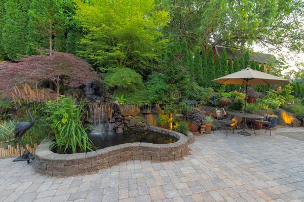 backyard landscaping patio