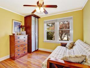 yellow bright amarelo brilhante empty interior bedroom sala walls telha banheiro assoalho azul cheerful
