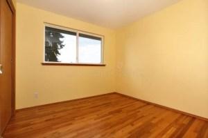 empty yellow bright hardwood walls amarillo brillante floor sitio door granito cocina tops wooden vacio archivo