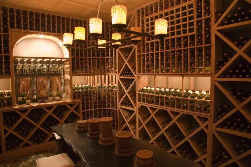 Cantina Per Vini Domestica Di Lusso Fotografia Stock