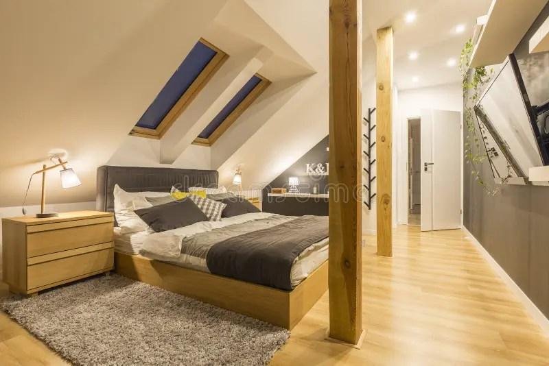 279 chambre a coucher avec la tv photos