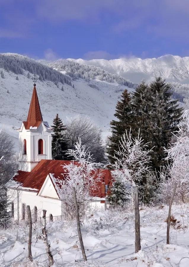 Chiesa Nel Paesaggio Invernale Fotografia Stock  Immagine