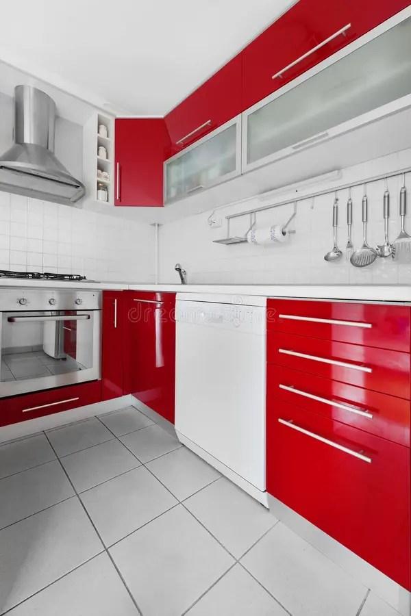 Cozinha Vermelha E Branca Moderna Foto de Stock  Imagem