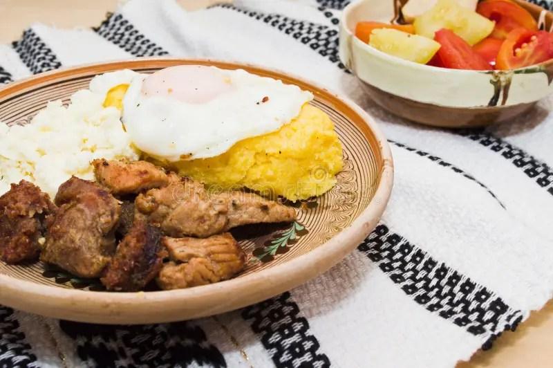Cucina Rumena Tradizionale tochitura Fotografia Stock  Immagine di tradizionale ingredienti