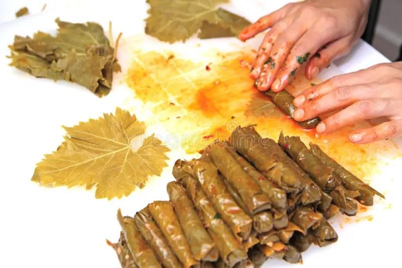 Cucina Turca Sarma Casalingo  Il Riso Avvolto In Uva Va Fotografia Stock  Immagine 47379084