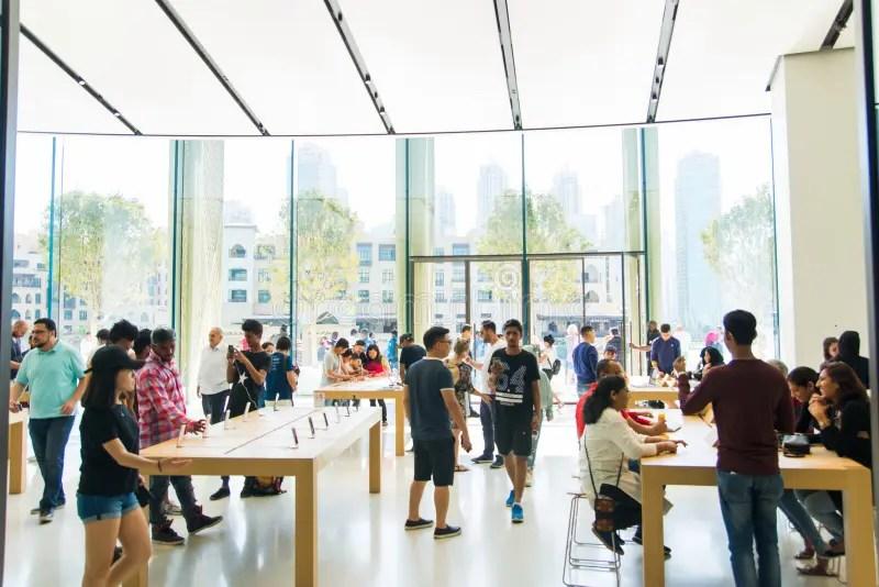 DUBAI. UNITED ARAB EMIRATES - OCTOBER 13. 2017: Apple Store In D Editorial Photo - Image of sell. dubai: 108428621