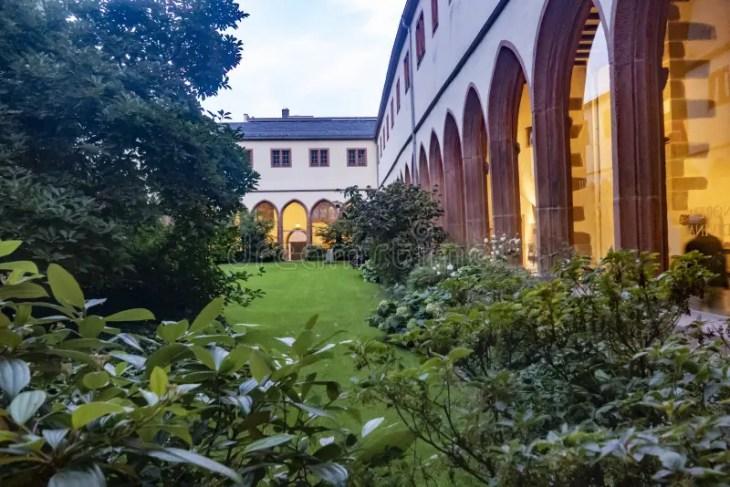Monasterio Carmelita Fotos De Stock - Descarga 158 Fotos Libres de ...