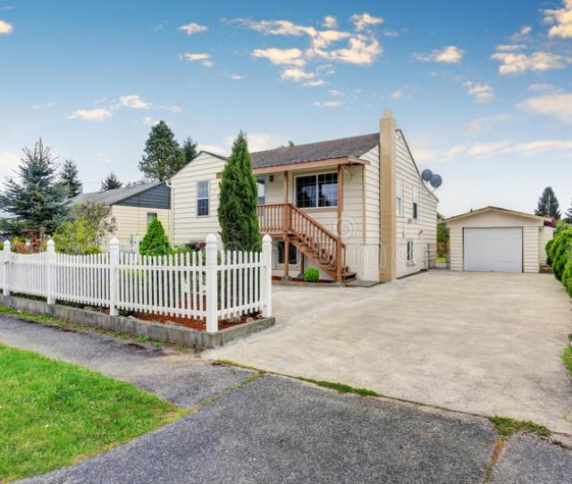 Download Exterior Of American Bungalow Style House With Garage And Driveway Stock Image Image