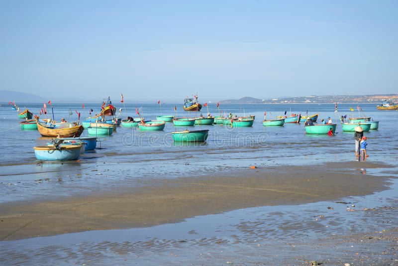 Fishermen Are Going To Put Out To Sea On Fishing. Vietnam Editorial Photo - Image of boat. asia: 88801886